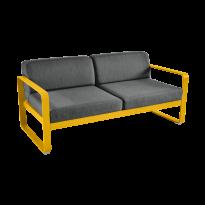 Canapé BELLEVIE de Fermob, coussin gris graphite, Miel
