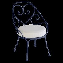 FAUTEUIL CABRIOLET 1900, coussin Blanc grisé, Bleu abysse de FERMOB