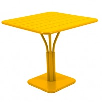 TABLE CARRÉE LUXEMBOURG 80x80 cm, Miel de FERMOB