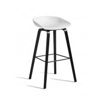 TABOURET AAS32 HIGH, Piétement noir, H.74 cm, Blanc de HAY
