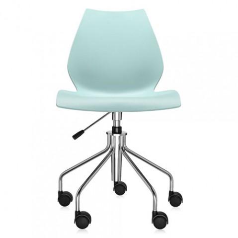chaise roulettes maui kartell bleu clair