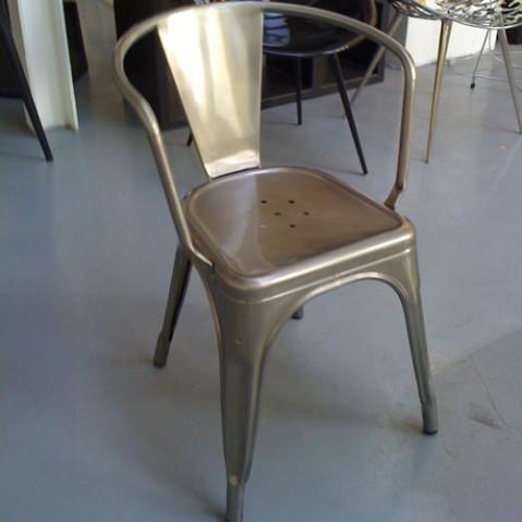 Tolix fauteuil A56 brut verni brillant