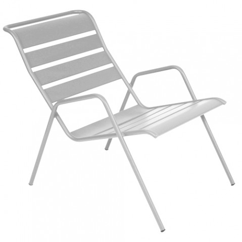 fauteuil bas monceau gris m tal de fermob. Black Bedroom Furniture Sets. Home Design Ideas