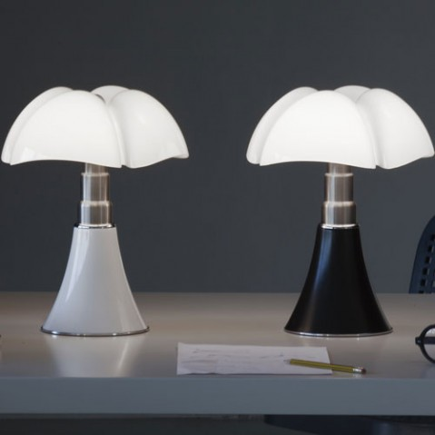 imitation lampe pipistrello elegant lgant artemide lampe image de lampe dcoratif with imitation. Black Bedroom Furniture Sets. Home Design Ideas