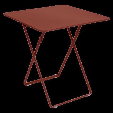 TABLE CARRÉE PLEIN AIR, Ocre rouge de FERMOB