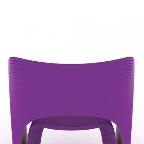 Raviolo Magis fauteuil design violet