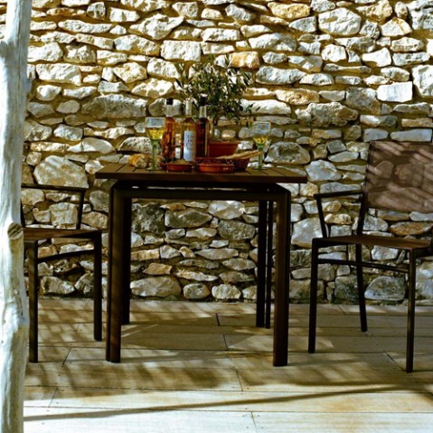 table costa 80 fermob muscade
