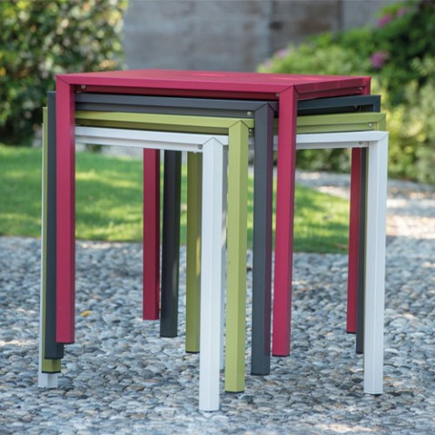 table urban emu rouge