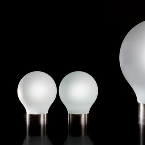THE SECOND LIGHT - SPHERE LUMINEUSE, 4 tailles, 3 couleurs de VONDOM