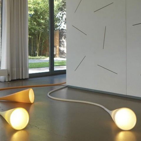 UTO - LAMPE MULTIFONCTION, 2 couleurs de FOSCARINI