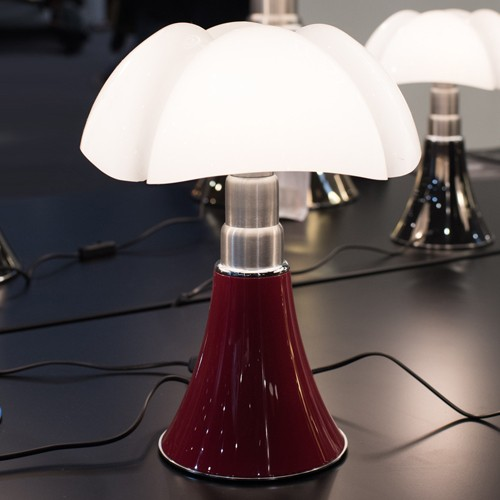 mini pipistrello lampe a poser led rouge de martinelli. Black Bedroom Furniture Sets. Home Design Ideas